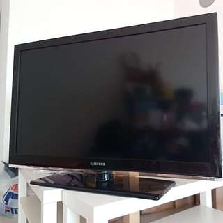 "SAMSUNG 40"" LED TV"