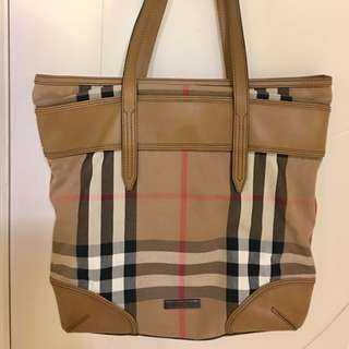 Burberry with dust bag