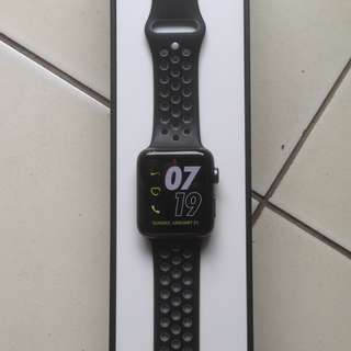 Jual cepat Apple Watch Nike+ series 2 special edition ukuran 42 mm