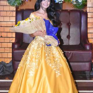 LONG GOWN FOR RENT