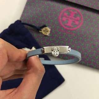 💙 Tory Burch skinny turnlock leather bracelet