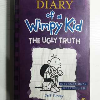 DIARY OF WIMPY KID (ENGLISH)