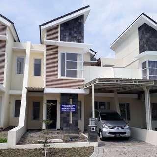 Dikontrakan rumah 2 lantai di Ladiva Green Hils Menganti