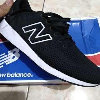 Sepatu New Balance® ORI