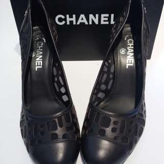 Authentic CHANEL mesh pumps  size 39.5