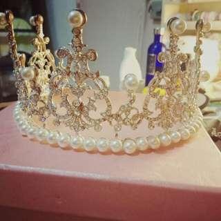 皇冠(婚慶的物資)