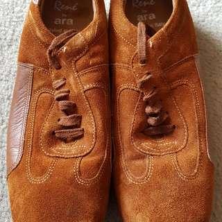 Rene by Ara tan brown suede shoes