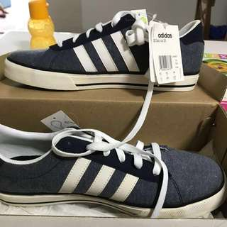 Male Adidas sneakers. US10 UK9.5
