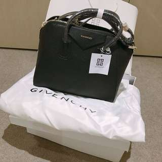 Brand new Givenchy Antigona medium gold hardware