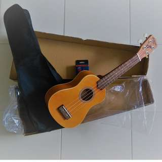 Brand New Ukelele+ Bag + Mini-Clip Tuner all in a box