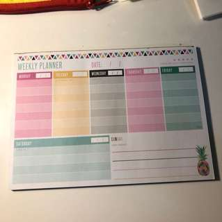 TYPO Weekly Planner Notepad
