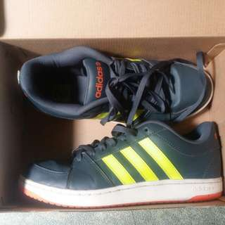 Adidas Hoops VS Size 9