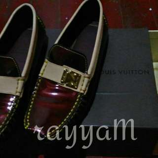 AUTHENTIC LOUIS VUITTON LOAFER SIZE 6