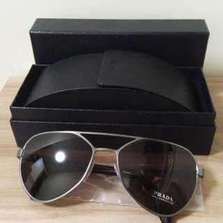 Prada 太陽眼鏡 全新真品