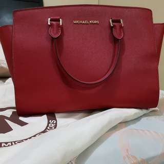 Micharl Kors Selma medium