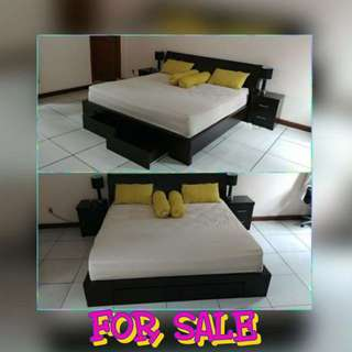 Set extra king bed