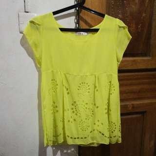 Korean-style yellow top