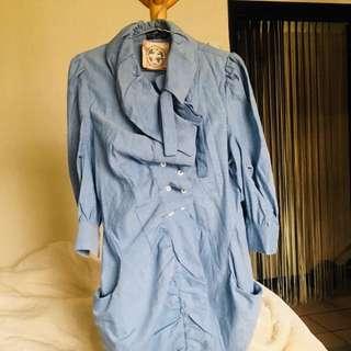 西班牙買回來的一件像裙子之類的襯衫