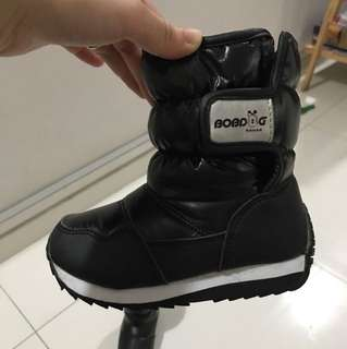 Winter boots for kid (EUR 26)