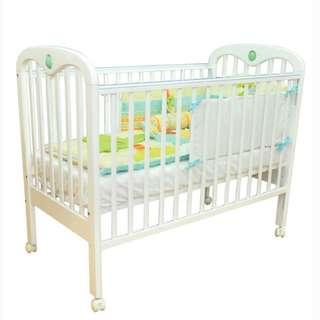 Baby crib-preloved