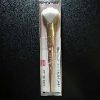 Wet n Wild Pro Blush Brush