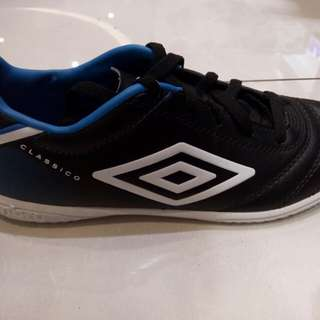 UMBRO Classico Jr. (less 10%)