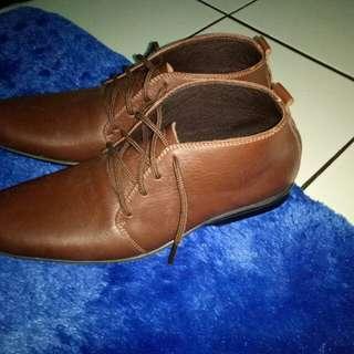 Sepatu kulit handmade. Baru pake 1x(bu)