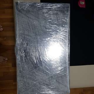 UA32ES5500 Samsung 29 inch TV bubble wrapped w bracket