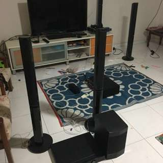 Pioneer 5.1 1000w Home theatre with Bluray Player 3D with 4Tall Boy speakers  and center speaker