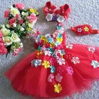 Satu set Gaun Bayi Warna Merah