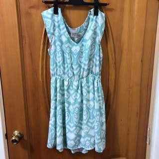 🚚 粉綠色民俗愛心圖案短袖洋裝