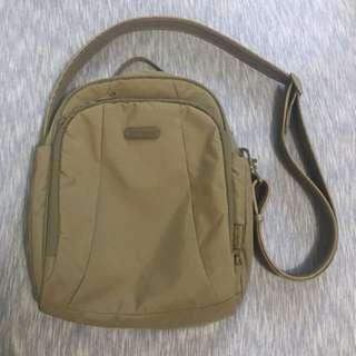 Pacsafe City Bag