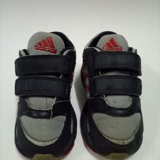 Adidas Kids Shoes size 15cm