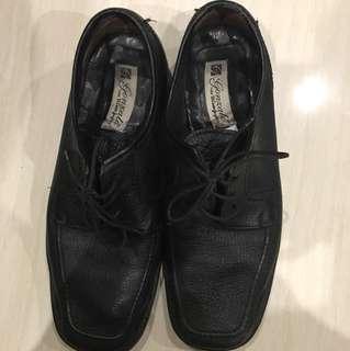 Sepatu Gonzalo Size 41