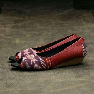 Sepatu Tenun Kulit Wedges (4 model)