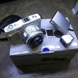 Olympus E-PL1 with two Lens