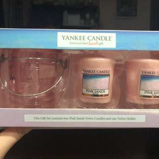 Yankee Candles in Pink Sands