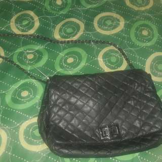 (FREE  SF) Unbranded quilted sling bag