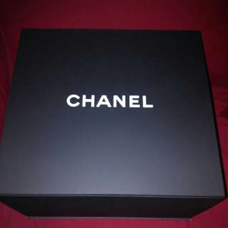 CHANEL Super big box