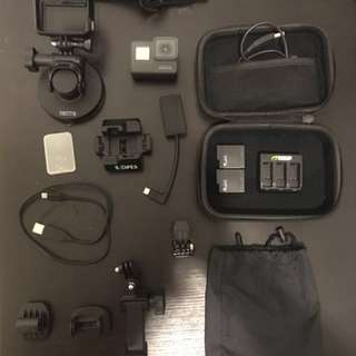 GoPro Hero 5 + 128gb sandisk extreme pro +accesories for sale