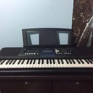Electronic Music Keyboard Yamaha E333 + Casio SA77