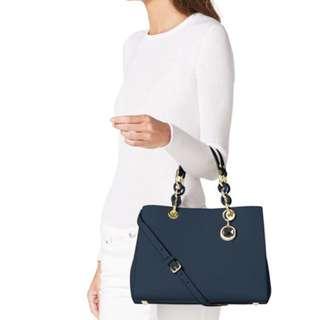 Last one Authentic MICHAEL KORS shoulder Bag. MK CYNTHIA MEDIUM SATCHEL  come with a strap