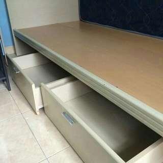 Satu set bed frame,lemari 2 pintu + FREE 2 nakas
