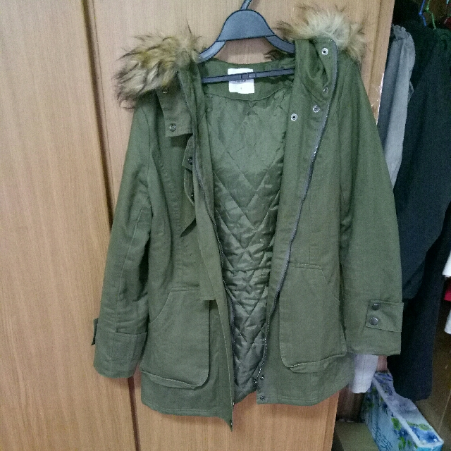 連帽舖棉軍綠色大衣
