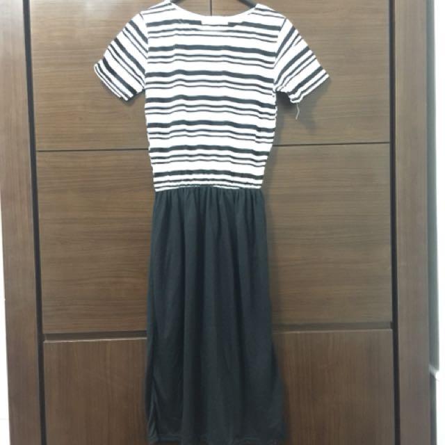 黑白條紋上衣連身裙