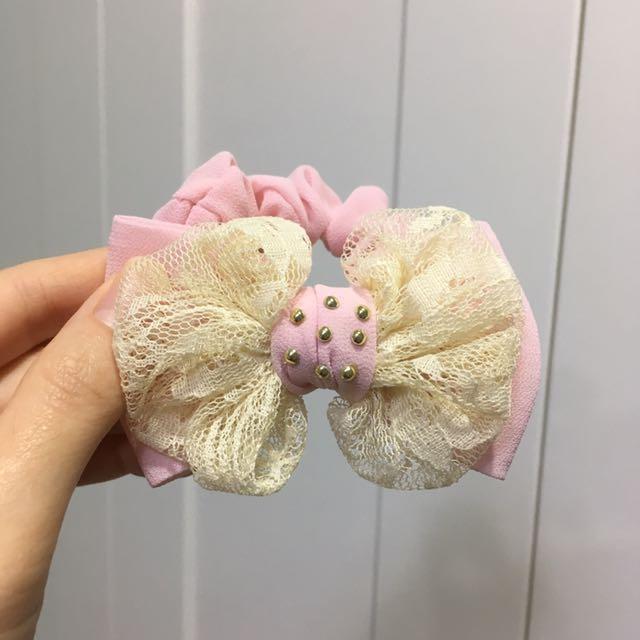 蕾絲粉紅蝴蝶結髮圈🎀