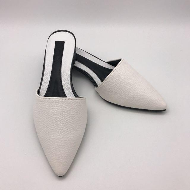全新 皮革尖頭 包頭鞋 涼鞋拖 現貨白 37號23.5公分