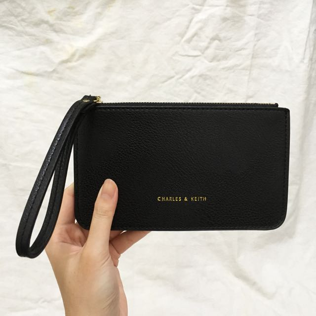 🆕 (Inspired) Charles & Keith Wristlet Black