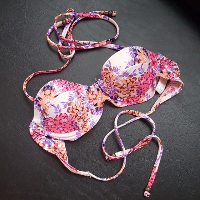 Bikini top (TOPSHOP Hong Kong)