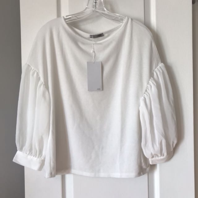 BNWT Zara puff sleeve white top